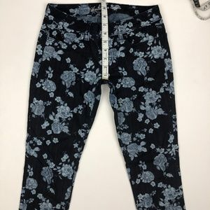 American Eagle Outfitters Jeans - AEO American Eagle Floral Jegging